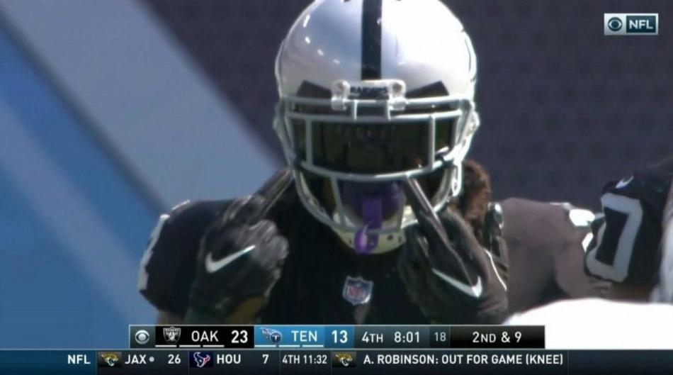 marshawn-lynch-middle-fingers.jpg